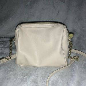 Betsey Johnson Bags - betsey johnson beige crossbody with bow